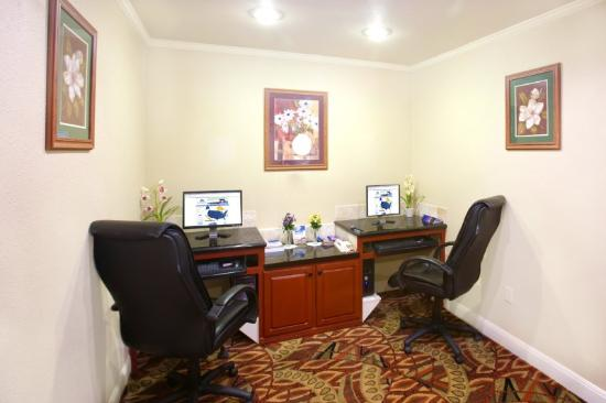 Americas Best Value Inn-Lubbock: Business Center
