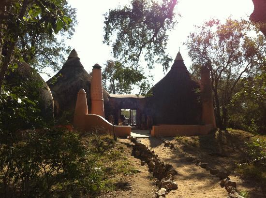 Hoyo-Hoyo Tsonga Lodge: Lodge entrance