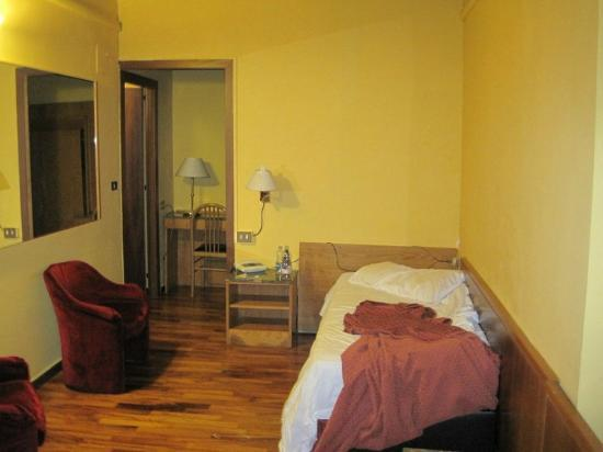 Vecchia Milano: One section of triple room