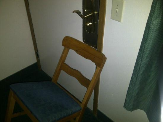 America's Best Value Inn: Had to put a chair up against door so no one could come in.