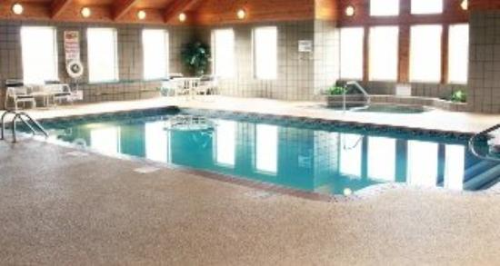 Paynesville Inn & Suites