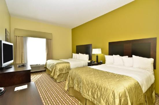 BEST WESTERN PLUS Brunswick Inn & Suites: Guest Room