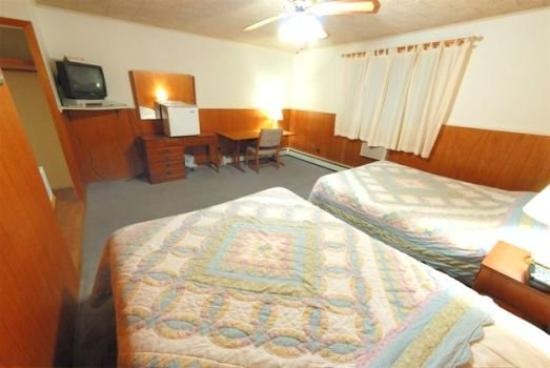Riverside Inn: Guest Room
