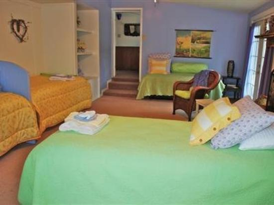 Namaste Retreat Guesthouse B&amp;B: Guest Room (OpenTravel Alliance - Guest room)