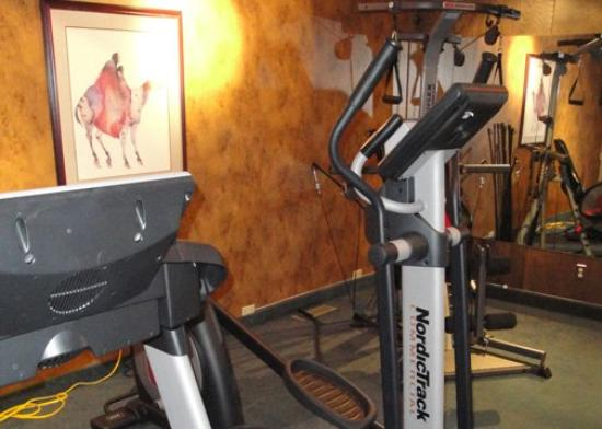 Quality Inn & Convention Centre: Exercise Room