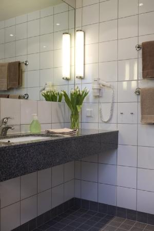Park Inn by Radisson Malmo: Bathroom