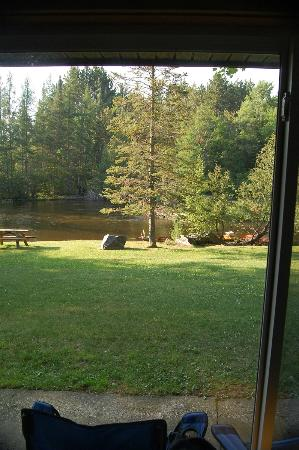 Gates Au Sable Lodge: You are seriously THIS close to the river!