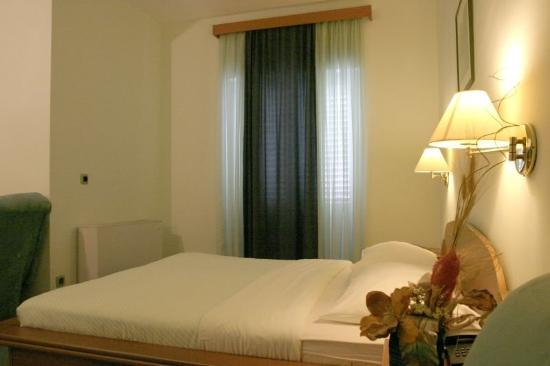 Hotel Conte: Guest Room