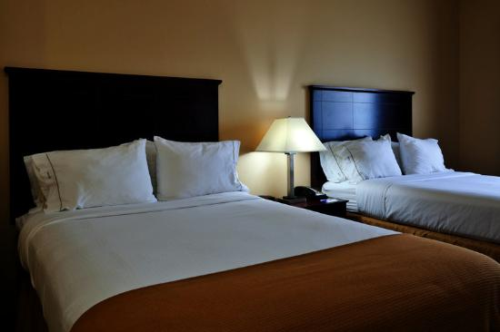 Holiday Inn Express Hotel & Suites Selma: Double Bed Guest Room