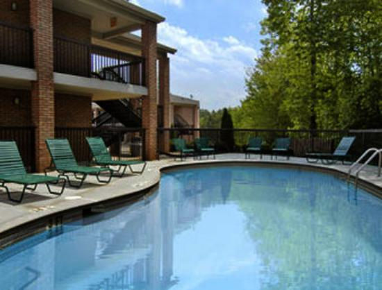 Super 8 Acworth / Atlanta Area: Pool