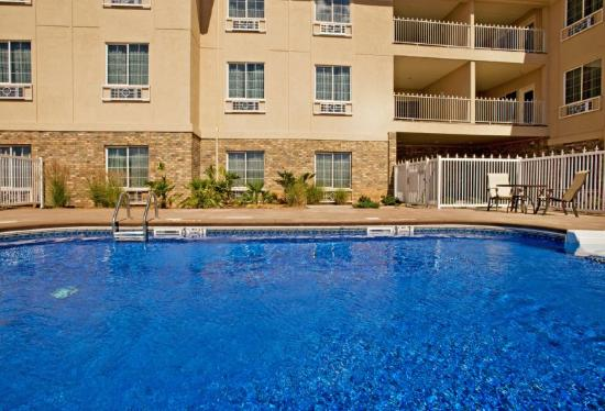 Holiday Inn Express Hotel &amp; Suites Andrews: Swimming Pool