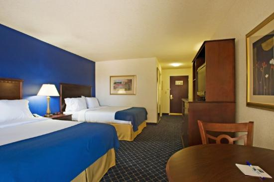Holiday Inn Express Hotel &amp; Suites Andrews: Queen Bed Guest Room