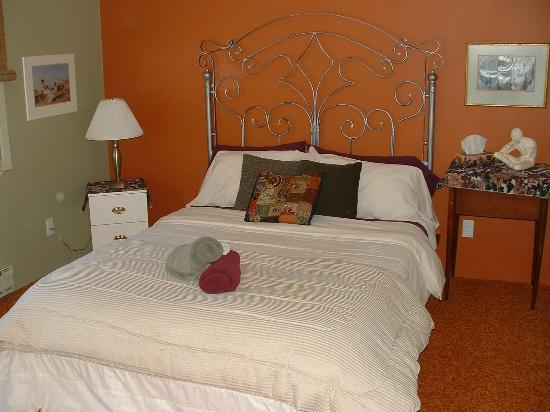 Auberge Tremblant Onwego Inn: confortable economic room