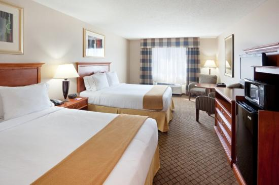 Holiday Inn Express & Suites Tilton: 2 Queen Guest Room