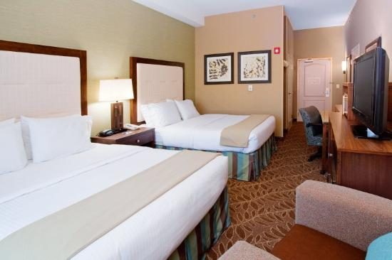 Holiday Inn Express Hotel & Suites Logan: Double Bed Guest Room