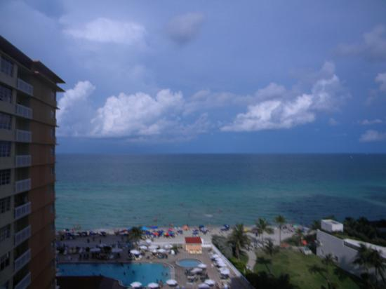 Sunny Isles Beach, Φλόριντα: view from room 2