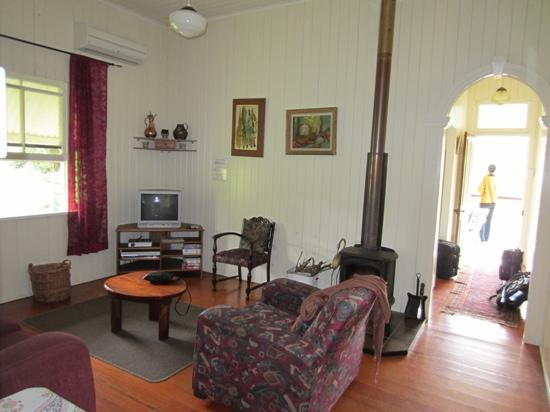 Cedar Glen Farmstay: wallaby cottage