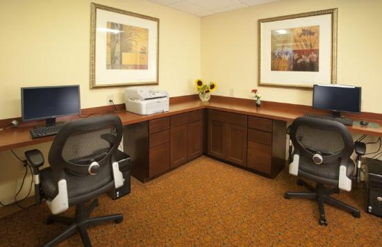 Country Inn & Suites Baltimore North: Business Center