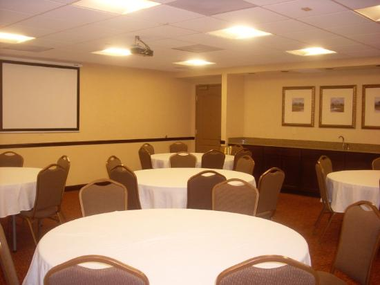 Country Inn & Suites Baltimore North: Meeting Room