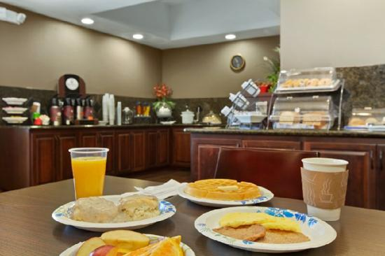 BEST WESTERN PLUS Parkersville Inn &amp; Suites: Breakfast Area