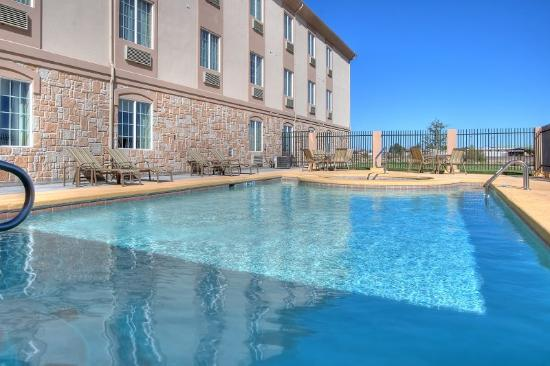 Holiday Inn Express Hotel & Suites Pecos: Swimming Pool