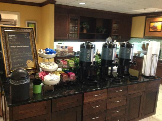 Homewood Suites by Hilton Palm Desert: breakfast time!