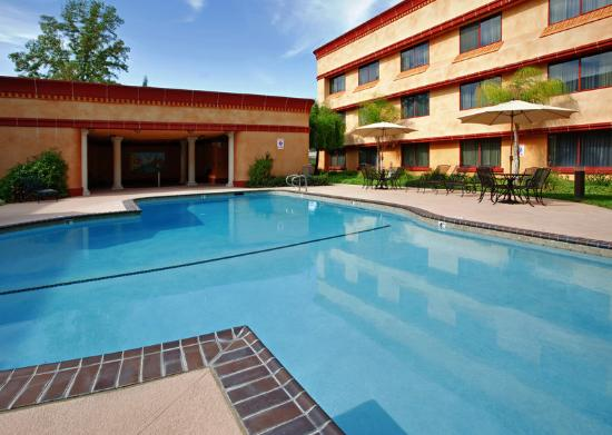 Holiday Inn Sacramento Rancho Cordova: Rancho Cordova Sacramento Hotel Swimming Pool
