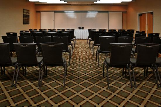 Holiday Inn Express Warren: Meeting Room