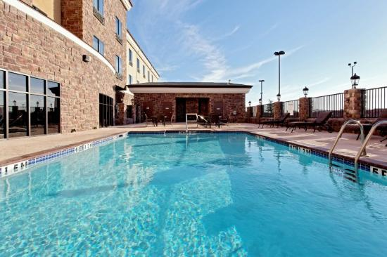 Holiday Inn Express Hotel & Suites Odessa: Swimming Pool