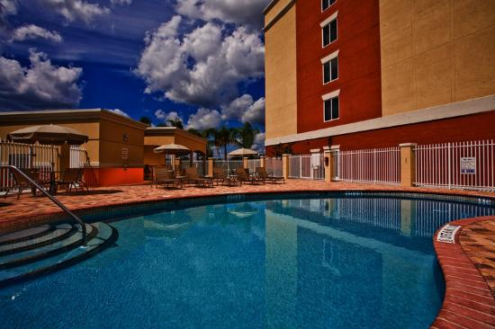 Holiday Inn Express Hotel & Suites Port St. Lucie West: Swimming Pool