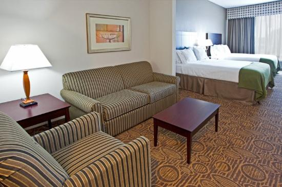 Holiday Inn Express Hotel & Suites Palatka Northwest: Suite