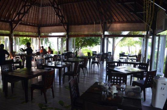 Wakatobi Dive Resort: Dining room