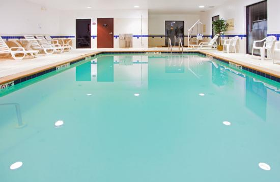 Holiday Inn Express I-95 Beltway-Largo: Swimming Pool