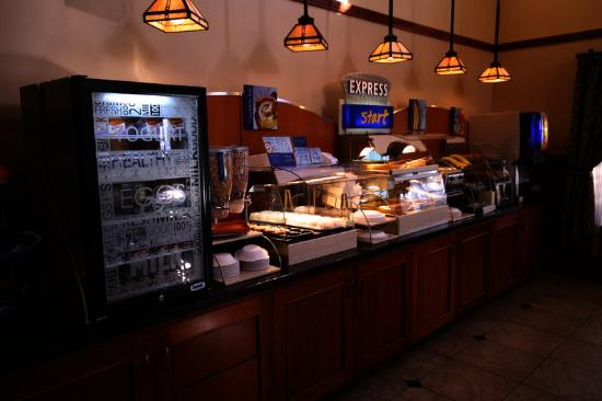 Holiday Inn Express Turlock: Complimentary 'Smart Start' Breakfast