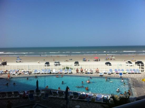 Islander Beach Resort: great pool and view 2012