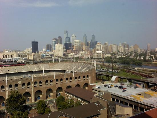 Penn Tower Hotel: The beautiful Philly Skyline from Room 1703