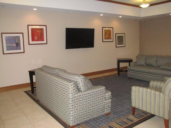 Candlewood Suites Longview : Reception