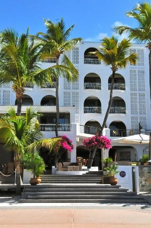 Photo of Holland House Beach Hotel Philipsburg