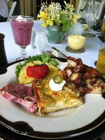 The Hale House Inn: Breakfast