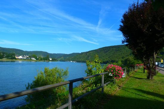 Kamp-Bornhofen, Germany: view from front of hotel