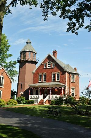 Braddock Point Lighthouse B&B Bed & Breakfast