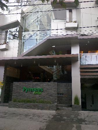 Pyrenees Jogja Hotel