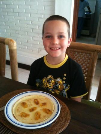 Robins Place: banana pancakes for breakfast, my son's fav