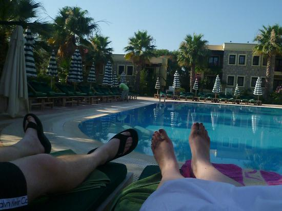 Hotel Zeytinada: Our feet haha