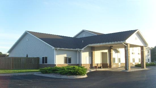 Garnett Inn Suites & RV Park