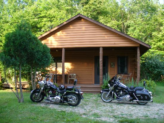 Cedar Grove Lodging: Front of Oldfields