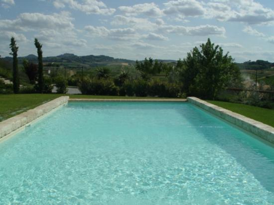 L'Orto di Panza: gorgeous,relaxing pool