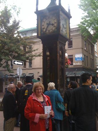 Mainstay Oasis Bed and Breakfast: Gastown Steam Clock