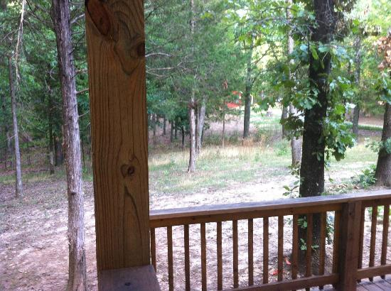 Cedar Rock Cabins: View of Skipper's Dream from Porch of Violet's Song