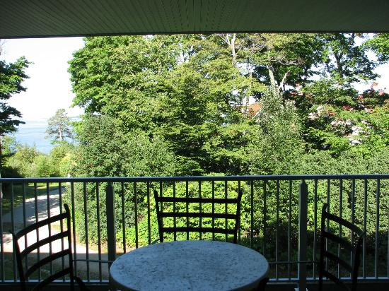 The Inn at Stonecliffe : Balcony and view from room 2208